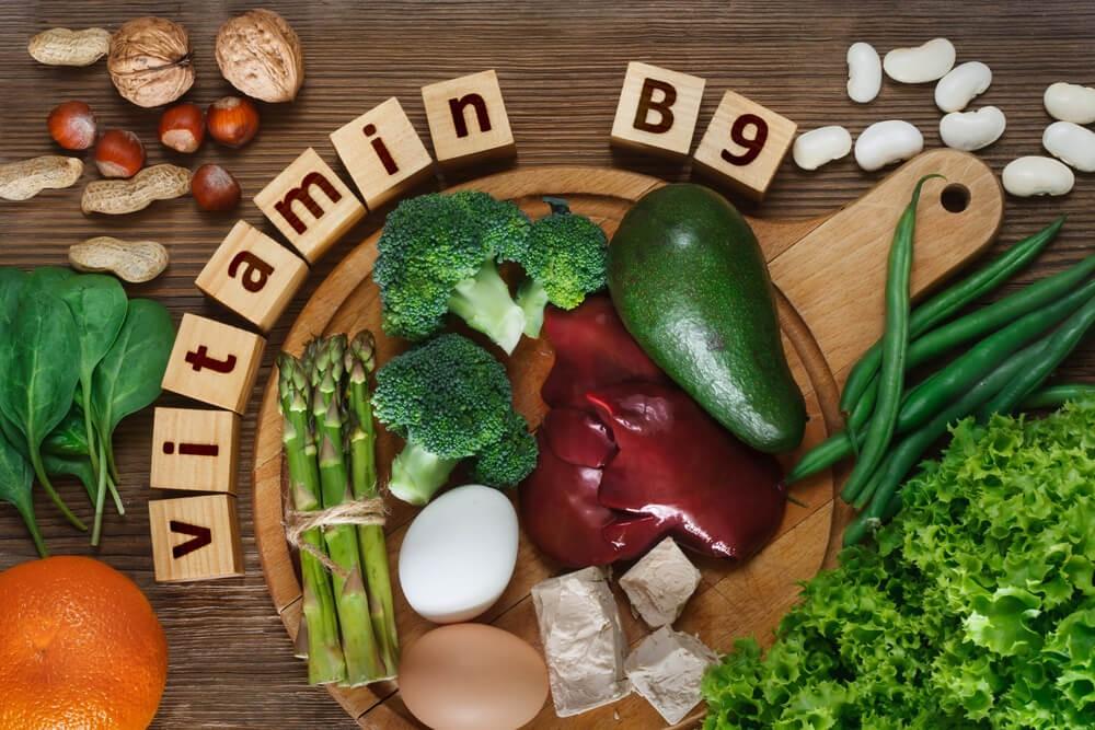 Vitamina B9: O que é, funções, alimentos ricos, benefícios e deficiência