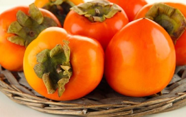 Caqui fruta: 40 benefícios, informação nutricional e malefícios