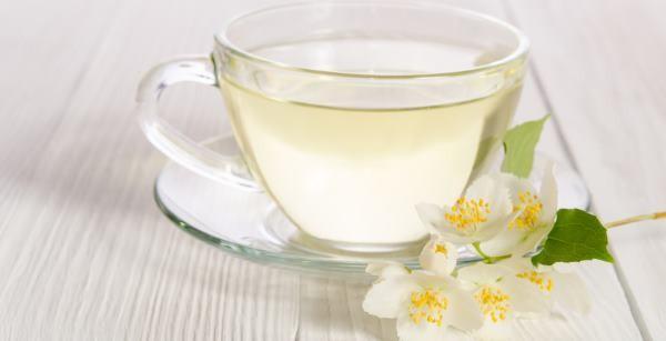Chá Branco serve para quê? Veja benefícios e como fazer