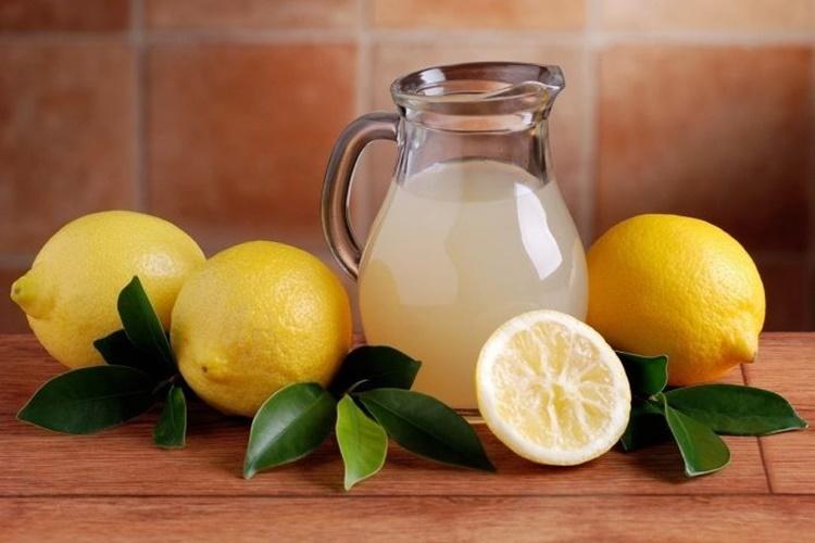 beneficios do suco de limão