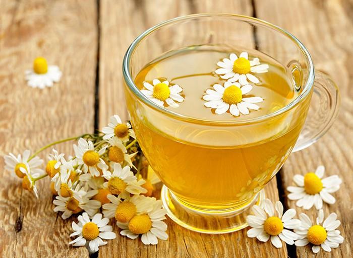 Chá de Camomila serve para quê? Veja benefícios e como fazer