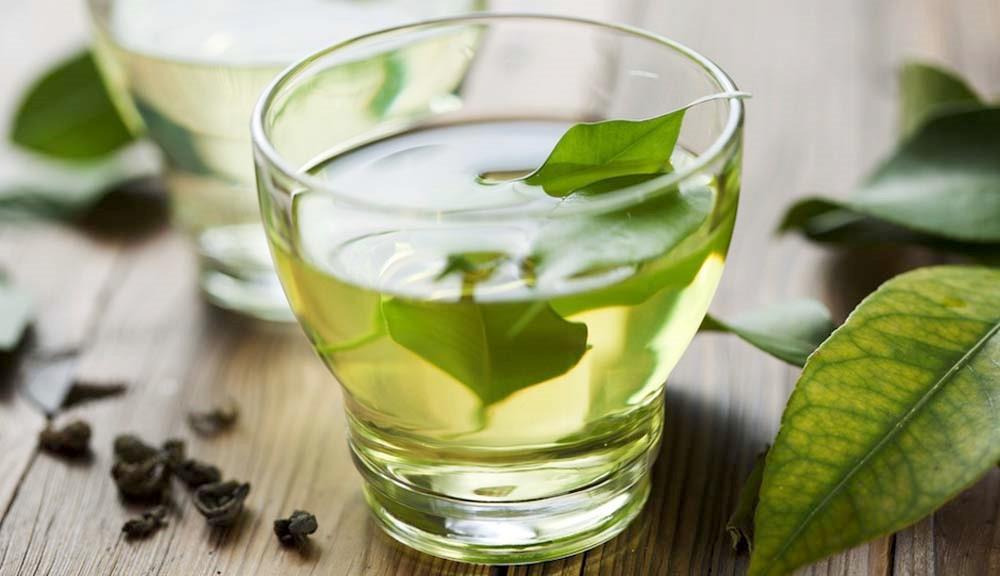 Chá de Louro serve para quê? Veja benefícios e como fazer