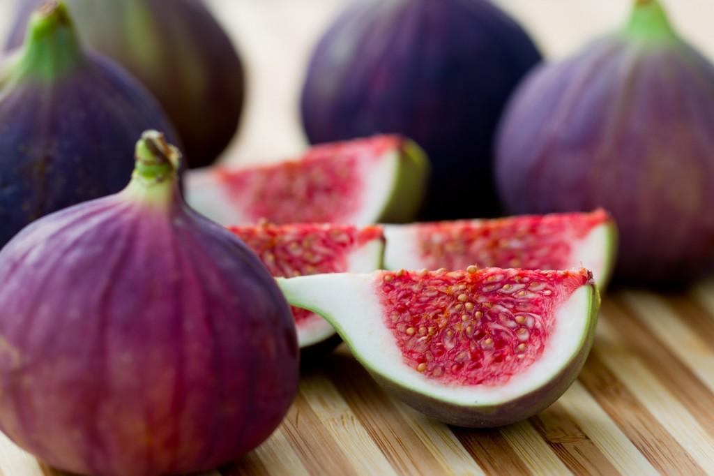 Figo fruta: 40 benefícios, informação nutricional e malefícios