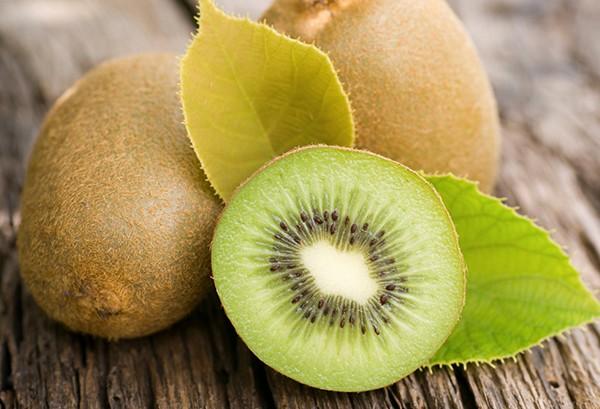 Kiwi fruta: 40 benefícios, informação nutricional e malefícios