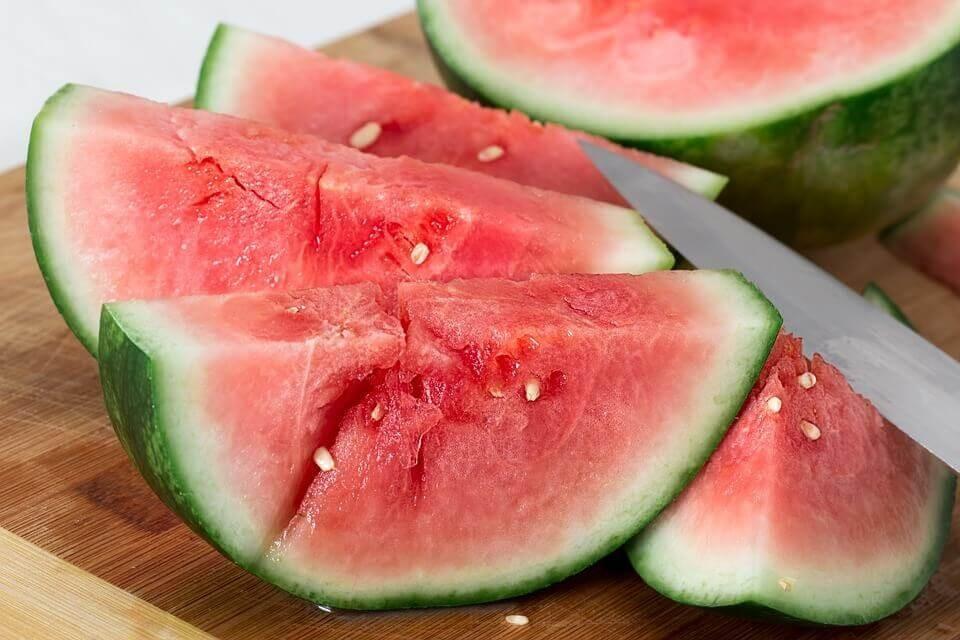 Melancia fruta: 35 benefícios, informação nutricional e malefícios