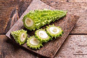 Melão Amargo fruta: 25 benefícios, informação nutricional e malefícios