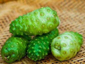 Noni fruta: 25 benefícios, informação nutricional e malefícios