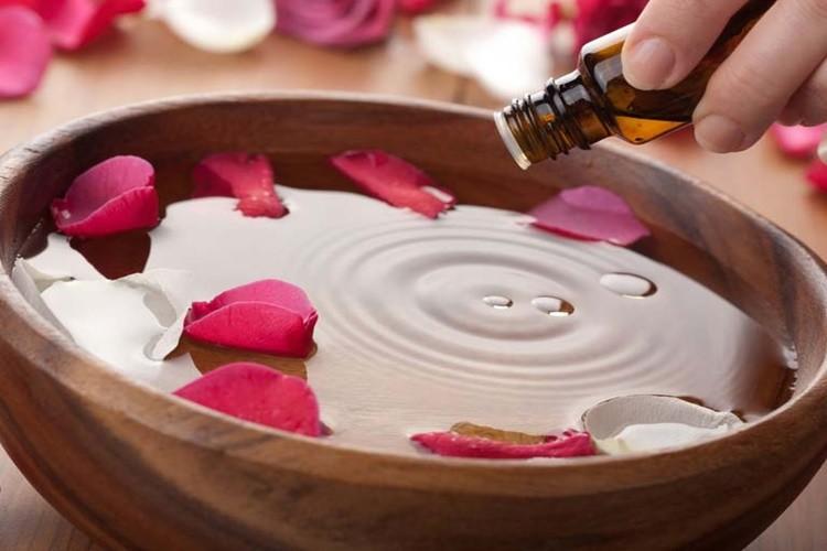 beneficio do oleo de rosa