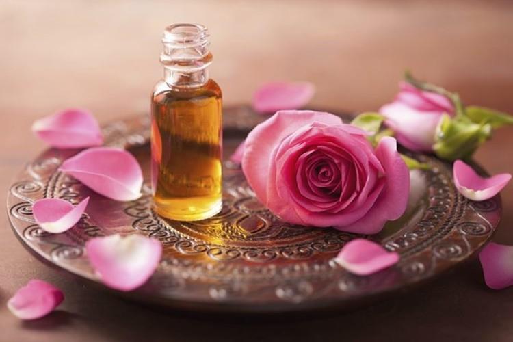 beneficios do oleo de rosa