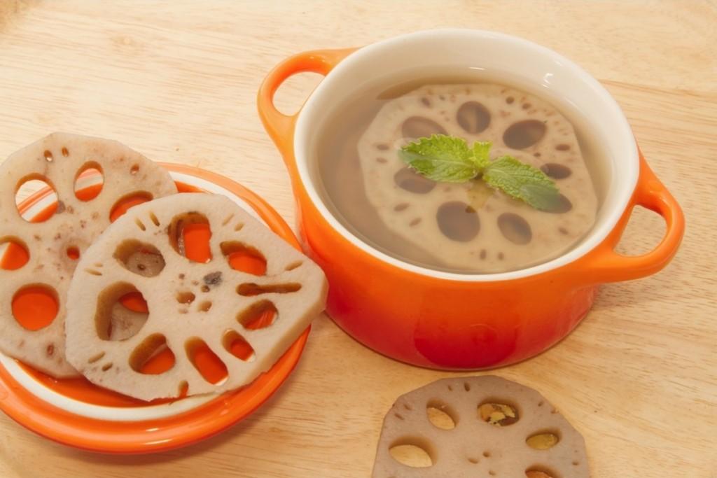 Chá da Raiz de Lótus serve para quê? Veja benefícios e como fazer