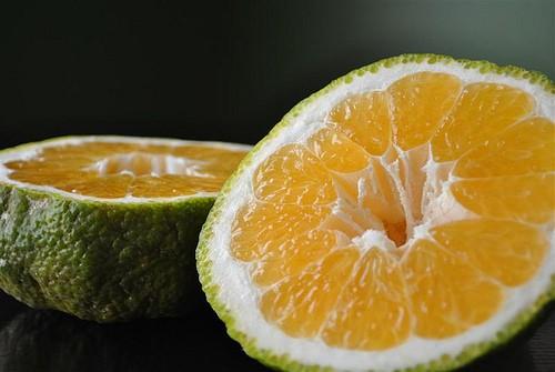Ugli fruta: 10 benefícios, informação nutricional e malefícios