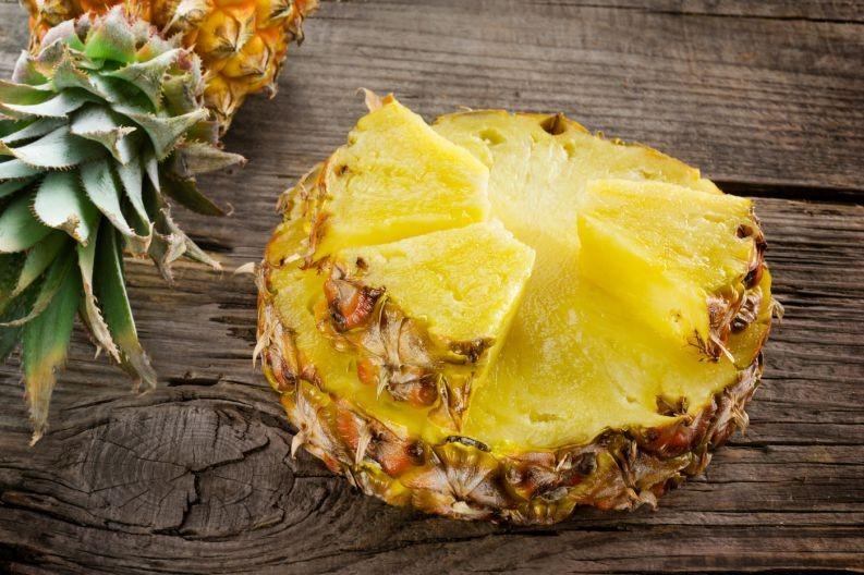 benefício do chá de casca do abacaxi